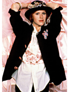 mcx-iconic-movie-fashion-molly-ringwald-0910-de-70460258