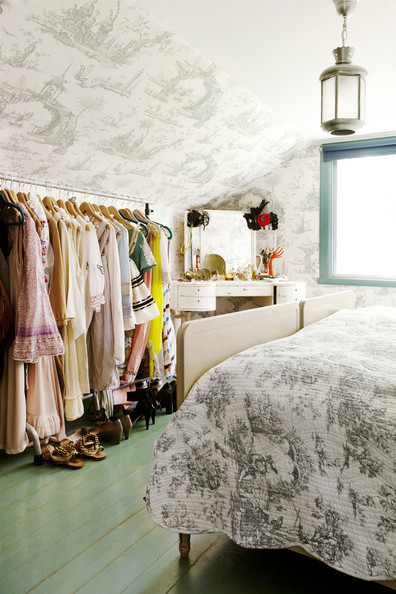 Bohemian+Bedroom+Toile+wallpaper+rolling+rack+VfkDtsbwVhvl