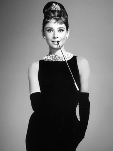 536640-audrey-hepburn-as-holly-golightly-in-a-scene-from-1961-film-039-breakfast-at-tiffanys